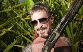 Skulle du köpa ett antivirusprogram av den här mannen? John McAfee är misstänkt för mord och har skapat en blogg där han skriver om att fly från polisen. - mcafee_2400587b