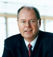 Berlin - German Finance Minister Peer Steinbrueck defended the government's multi-billion-euro rescue of Hypo Real Estate (HRE) bank on Thursday, ... - Peer%2520Steinbrueck