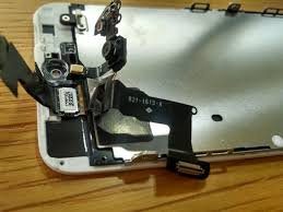 Can an ordinary Joe replace a busted <b>iPhone</b> screen? - CNET
