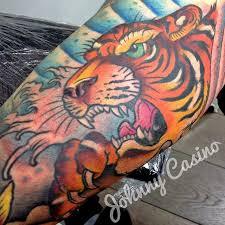 Cuando el tatuaje se convierte en arte...(Grandes tatuadores) - Página 9 Images?q=tbn:ANd9GcTXIUwBv48WFK9YPYpNcyD7LGysARaox_43Elo4mfhOvHfbtY6JBw