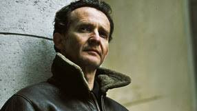 Anton Lesser reads Aldous Huxley's dark vision of an ideal society in the future. Through clever use of genetic engineering, brainwashing and recreational ... - antonlesser-286x161