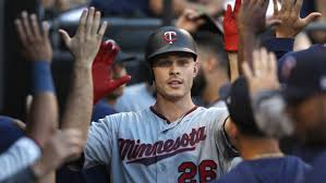 Twins <b>set</b> new MLB record after reaching 200-home <b>run</b> threshold ...