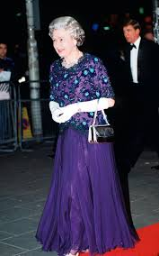 Pinterest The worlds catalogue of ideas The Queen wearing a dress by John Anderson while arriving at the Dominion Theatre for The