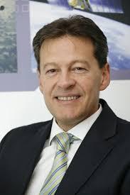Jesús Sánchez, madrileño de 48 años, Ingeniero Superior ICAI por la Universidad Pontificia de Comillas es el nuevo Director General de la División de ... - 2009050530jesus-sanchez-bargos300