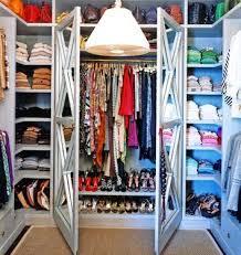 Resultat d'imatges de armario lleno de ropa