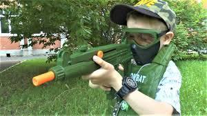 Макс открывает военный <b>набор</b> и <b>оружие</b> игрушки для мальчиков ...
