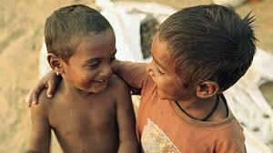 Risultati immagini per bambino indiano che gioca