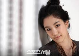 Actori coreeni  Images?q=tbn:ANd9GcTZjCAHnC7ECM0bnsHVdOsVW6iC7eMERkz3JumJpeJMyXZmhmFe4Q