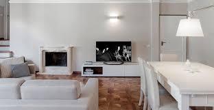 Soffitto In Legno Grigio : Mq in bianco e legno
