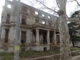 """Résultat de recherche d'images pour """"palais justice ruine"""""""