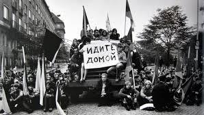 Výsledek obrázku pro praha 1968 okupace