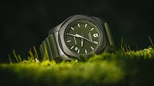 Designing Custom Timepieces With The <b>Victorinox Swiss Army</b> MY ...