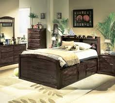 Small Master Bedroom Layout Very Small Master Bedroom Blue Wooden Cabinet Small Master Bedroom