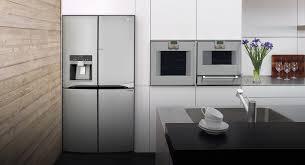 <b>Холодильник side</b> by <b>side</b>: большой объем и современный ...