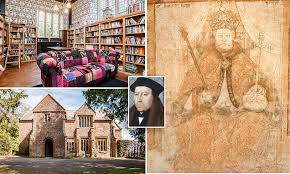 Tudor manor house that was home to the <b>Archbishop</b> who helped...
