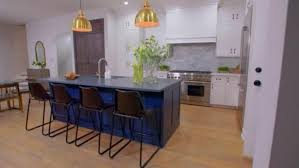 Windy City Rehab | HGTV | Appetizert in 2019 | Hgtv kitchens ...