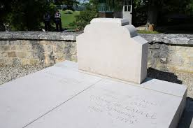 Charles De Gaulle grave vandal was 'extremely drunk' - The Local