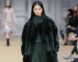 <b>Forest Green</b>: Why Your Wardrobe Needs This Colour