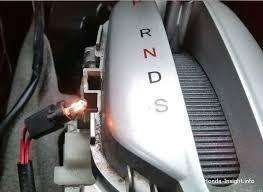 Как поменять лампочку в <b>селекторе коробки передач</b> Хонда Инсайт