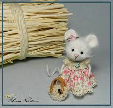 little mouse, cutest and easiest dress I've <b>seen on</b> an animal. She's ...