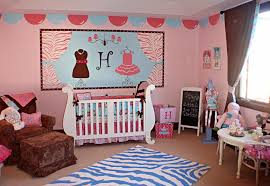 girl bedroom wall zoom