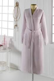 Купить женские <b>халаты банные</b> в интернет-магазине Lookbuck