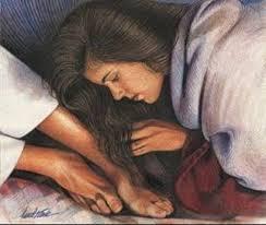 Resultado de imagem para a mulher pecadora perfumando os pes de jesus