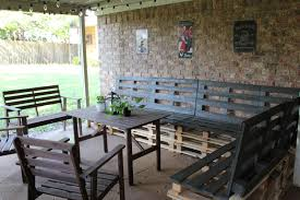 patio furniture sectional ideas: sassy sparrow diy outdoor patio furniture from pallets