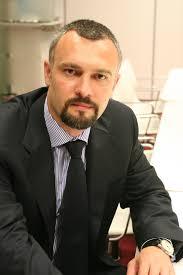 Andrei Burz-Pinzaru lucreaza in cadrul Deloitte de sapte ani, timp in care a avut o contributie semnificativa la rezultatele companiei in domeniul bancar, ... - Andrei%2520Burz-Pinzaru