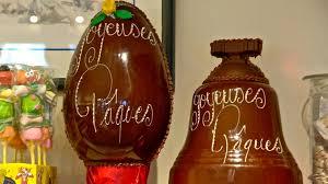 """Résultat de recherche d'images pour """"photo gratuite cloche en chocolat de Pâques"""""""