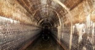 Imagini pentru Tunelurile secrete din ţara noastră