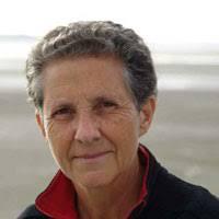 Evelyne Brisou-Pellen est née en 1947 à Coëtquidan. Après un court séjour à Meknès, au Maroc, elle retourne à Rennes où elle obtient une maîtrise de lettres ... - EBrisouPellen