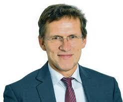 Herzspezialist Prof. <b>Dietmar Bänsch</b> (51), Uni Rostock. © Frank Söllner - Neues-Medikament-ist-haushoch-ueberlegen_ArtikelQuer