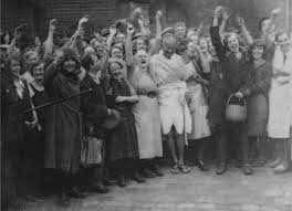 mahatma gandhi the courage of nonviolence victory over violence image mahatma gandhi textile workers at darwen lancashire england 26 1931 credit rena wao com gandhi jpg ggs99 jpg attribution