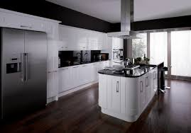 white gloss kitchen image
