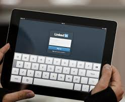top linkedin tips for job seekers life reimagined are you making the most of social media s critical job tool optimize your linkedin profile these job search tips