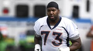 russell okung pens essay in support of colin kaepernick com broncos tackle russell okung pens essay in support of colin kaepernick