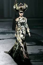 matching dress print with head gearhat always looks good no eyes needed haha avant garde meets arabic