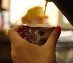 فنجان قهوتي الساخن مذاق الحكمة مقولة ادبية
