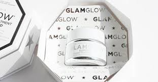 We Tried <b>Glamglow's</b> Cult-Favorite Mask—Read Our Honest Reviews