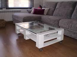 mesas, sillas y camas de pallet