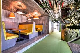 inside the new google tel aviv office office snapshots google tel aviv cafeteria