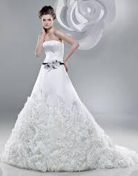 فساتين زفاف images?q=tbn:ANd9GcT