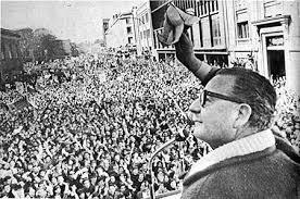 """El último discurso"", texto literario sobre el último día de Allende Images?q=tbn:ANd9GcThm4rUMJn0zYUMJoWXLP58LpeYf8kl57bDgVxgf09ez4TrPOXx"