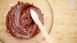 Как растопить <b>шоколад</b>: 3 способа - YouTube