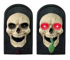 <b>Scary GIANT</b> LIGHTED SKULL w-SPOOKY SOUND <b>Halloween</b> ...
