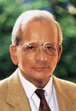 Hans Günter Winkler wurde am 24. Juli 1926 in Wuppertal-Barmen als Sohn ...