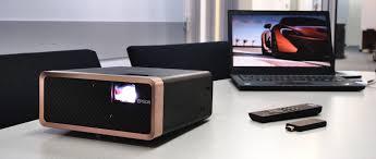 В полку компактных <b>проекторов</b> прибыло: <b>Epson EF</b>-100 – первая ...