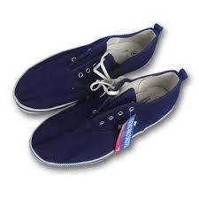 Kết quả hình ảnh cho giày dép lao động