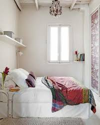 Decorating Small Bedrooms Decorating A Small Bedroom